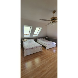 Łóżko LOVANO niskie, sosnowe 4