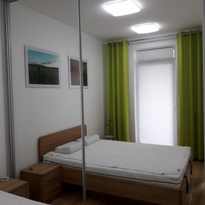 Łóżko bukowe z pojemnikiem FORTE 18