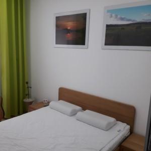 Łóżko bukowe z cofniętym pojemnikiem FORTE 18