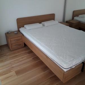 Łóżko bukowe z cofniętym pojemnikiem FORTE 21