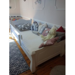 Łóżko LOVANO niskie, sosnowe 18