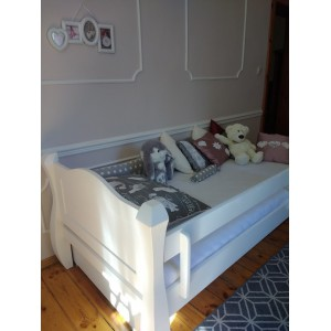 Łóżko LOVANO niskie, sosnowe 11